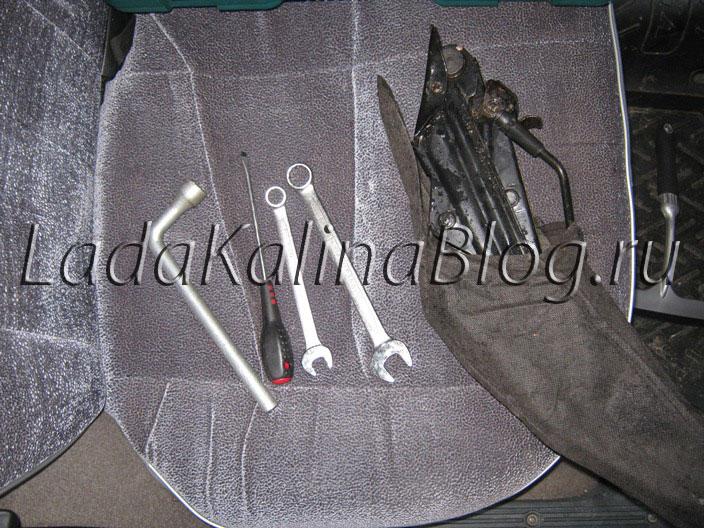 инструменты для замены тормозных колодок