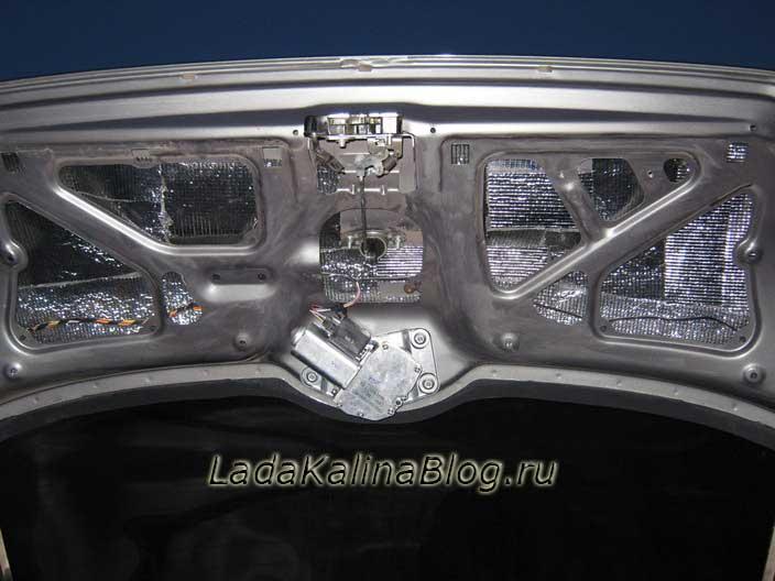 шумоизоляция задней двери багажника на Ладе Калине Универсал или Хэтчбек
