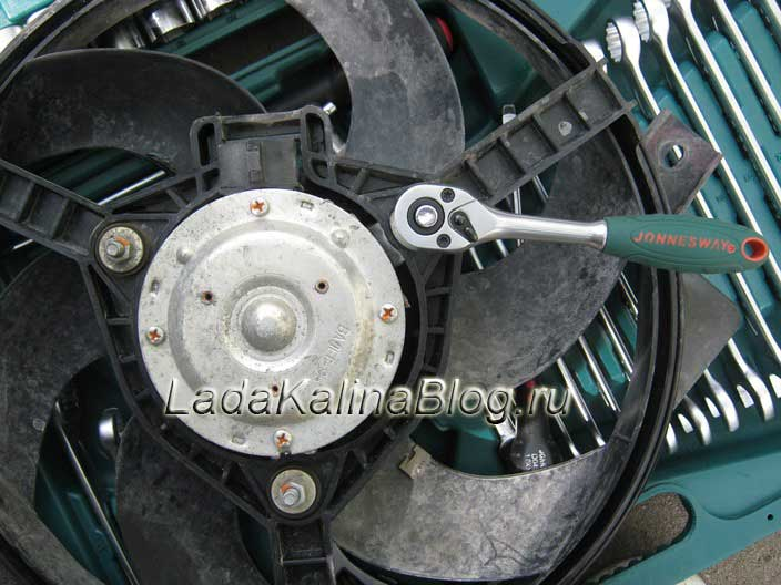 замена мотора вентилятора на Ладе Калине