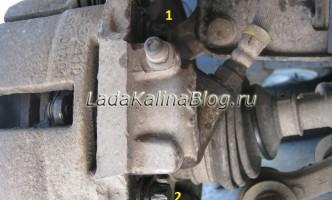 выворачивание болтов тормозного цилиндра Калины