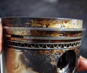 причина выхода из строя двигателя - некачественное моторное масло