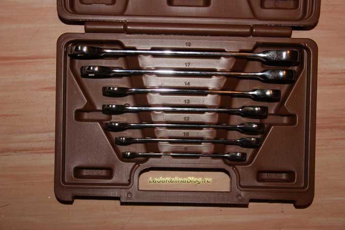 набор комбинированных трещоточных ключей Ombra Snap Gear