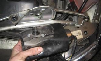 замена моторчика стеклоочистителя на Калине своими руками