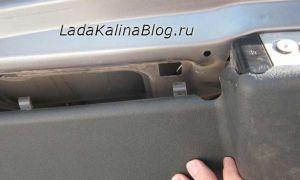 Снятие обшивки багажника (задней двери)