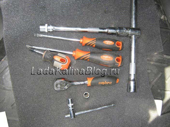 необходимый инструмент для снятия переднего бампера на Калине