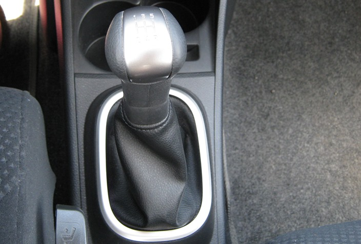рычаг кпп Nissan tiida