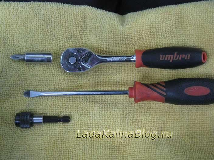 инструменты для снятия облицовки панели приборов на Калине
