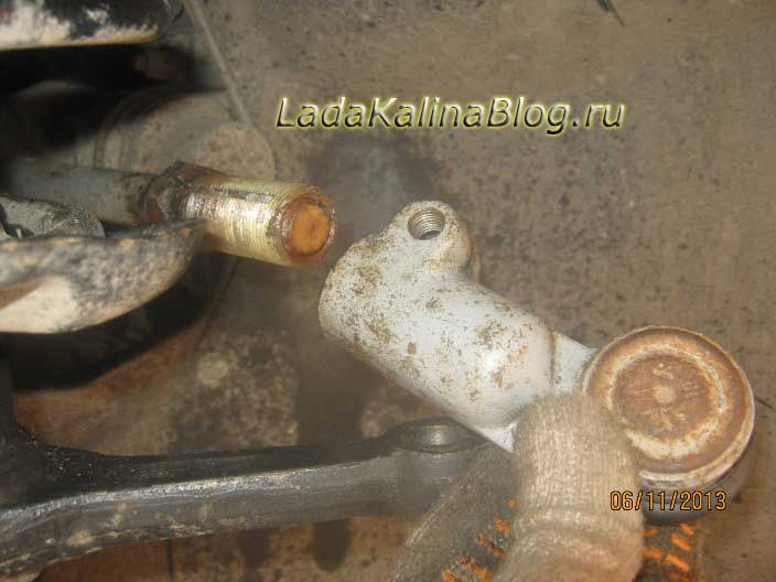 замена рулевых наконечников на Ладе Калине
